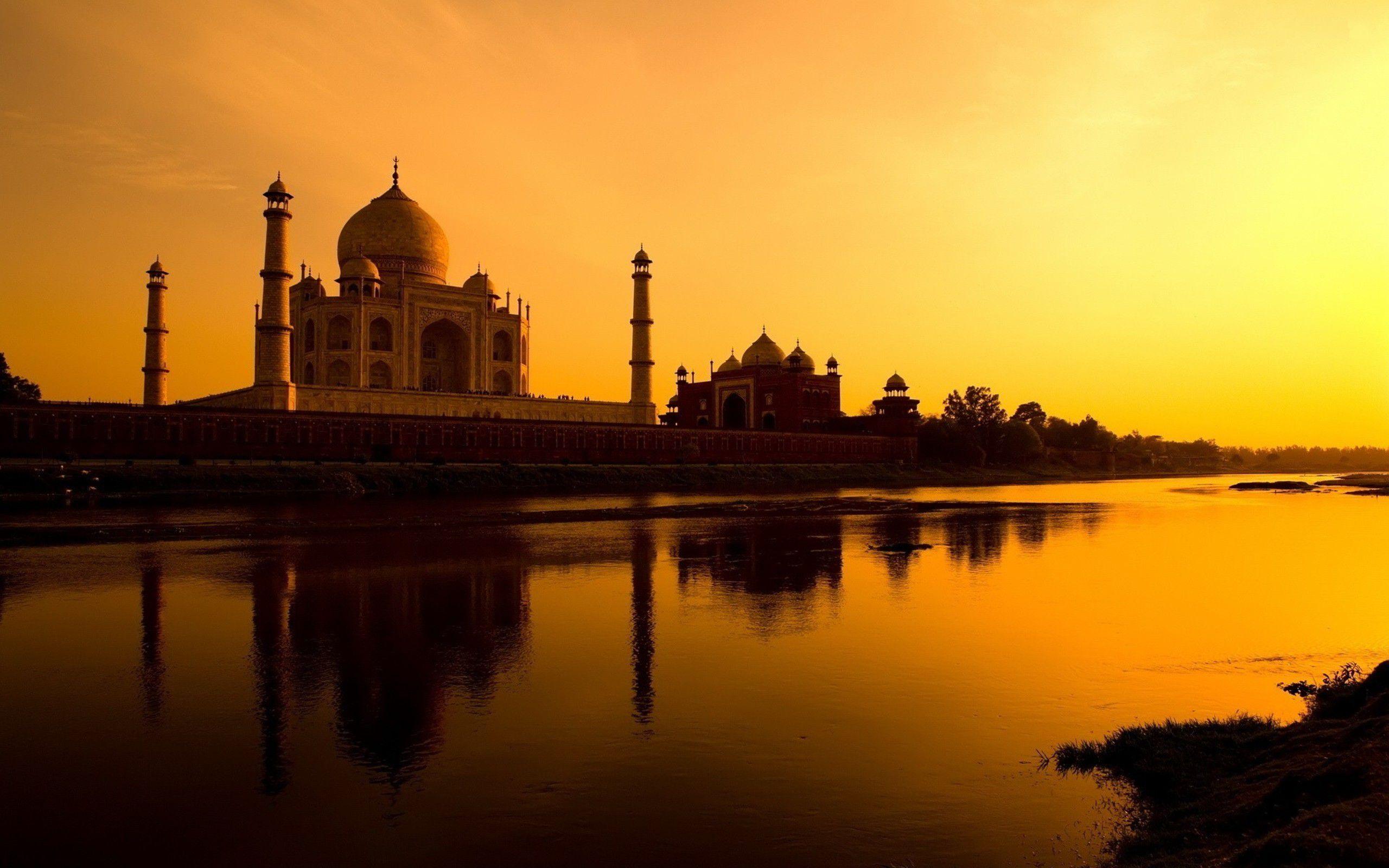 Taj-Mahal-at-Sunset-02